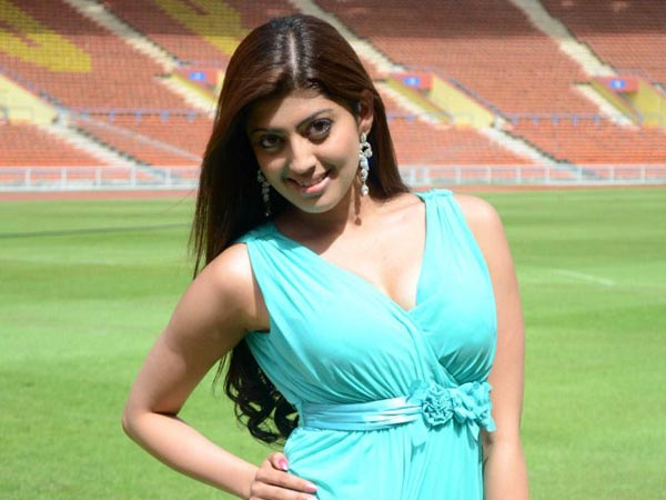 Pranitha abused by Kannada fans