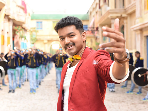 Vijay is eyeing politics after Theri?