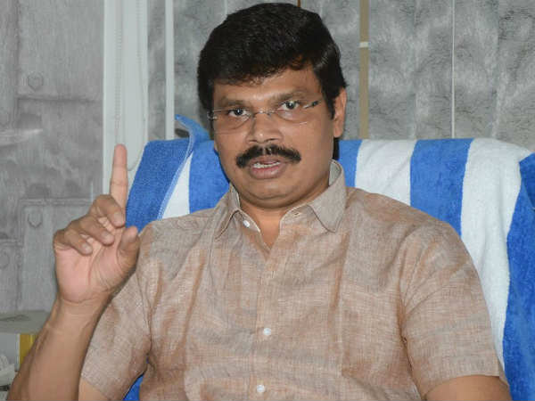 Director Boyapati sreenivas not happy with Allu Arjun..?