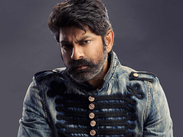 Jagapathi Babu in consideration as villaian in Chiru 150th Movie