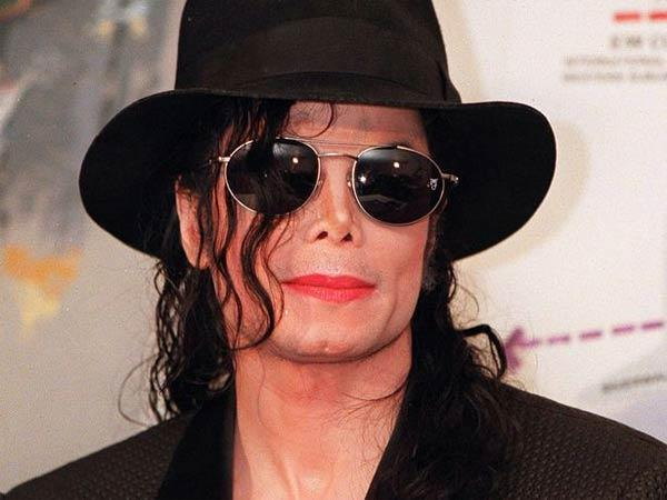 Michael Jackson was murdered, daughter Paris claims