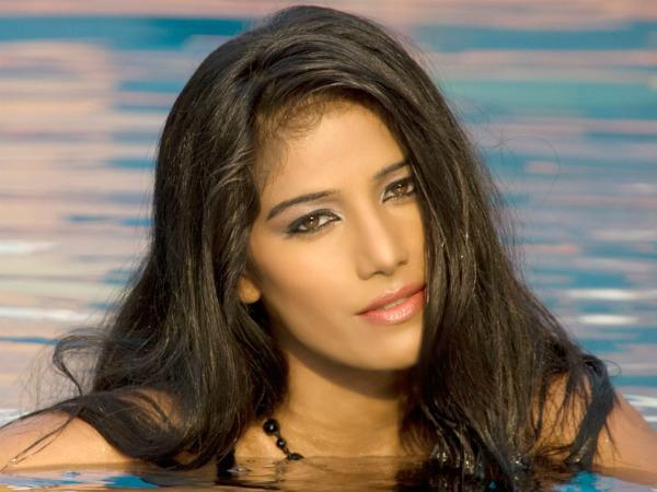 నేను పోర్న్ సినిమాలో నటిస్తా... చూసే దమ్ముందా..?? మీడియా మీద నటి ఫైర్