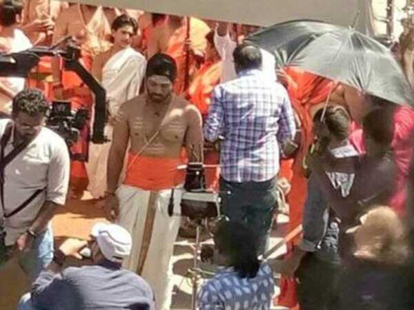 'దువ్వాడ జగన్నాథం (డీజే)' కు మూలం 'అదుర్స్'  కాదా...చిరు సినిమానా?