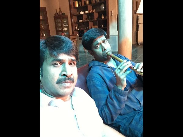 Tollywood comedian srinivasreddy shares a photo with Vennela Kishore