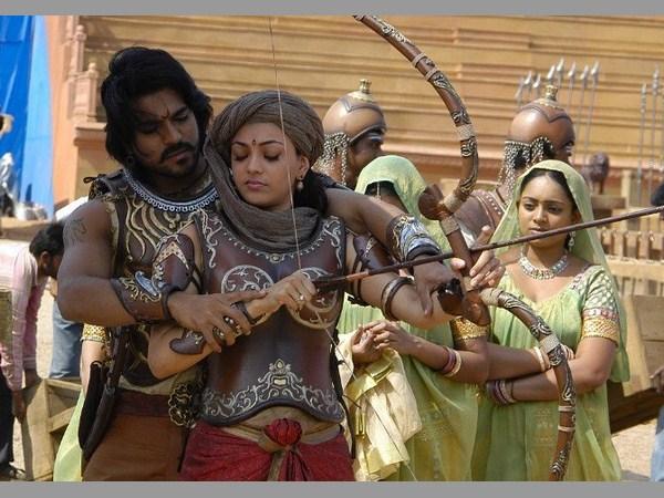 'మగధీర' కాపీ వివాదం.... అల్లు అరవింద్పై మండిపడ్డ నిర్మాత