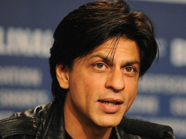 Shah Rukh Khan injures back on his way to Kolkata