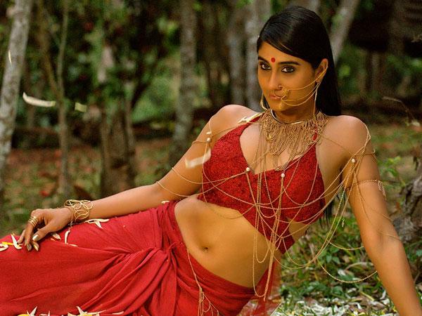 ఆ హీరోతో నా ప్రేమ విఫలం.. ఇక ఆ జోలికి వెళ్లను.. తప్పు జరిగింది.. రెజీనా.