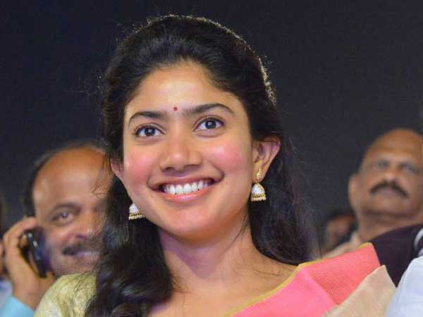 Dhanush would crack jokes to ease my tension says Sai Pallavi