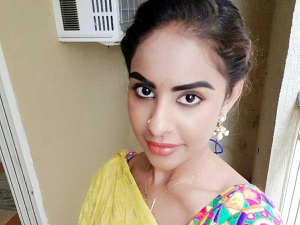 బిగ్ పీపుల్ క్లెవర్ గేమ్స్, సమస్య పక్కదారి: శ్రీరెడ్డి హాట్ కామెంట్స్