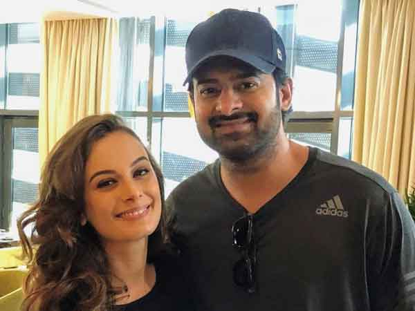 Evelyn Sharma asks Prabhas to open twitter account