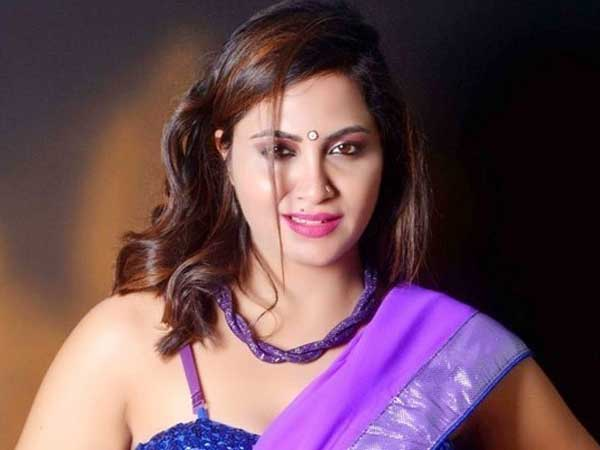 Arshi Khan responds on her controversial tweet