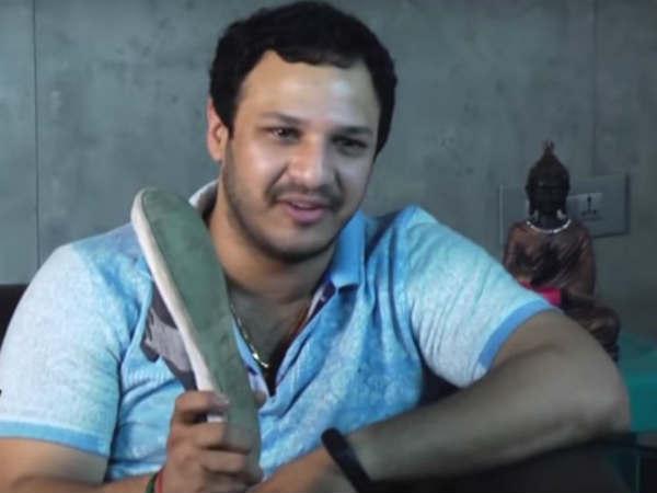 చెప్పుతో కొట్టేలా ఉన్నారు: శ్రీరెడ్డిపై పింగ్ పాంగ్ సూర్య ఫైర్