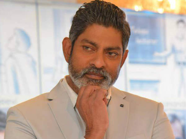 JAGAPATHY BABU SENSATIONAL COMMENTS ON PRABHAS AND JUNIOR!