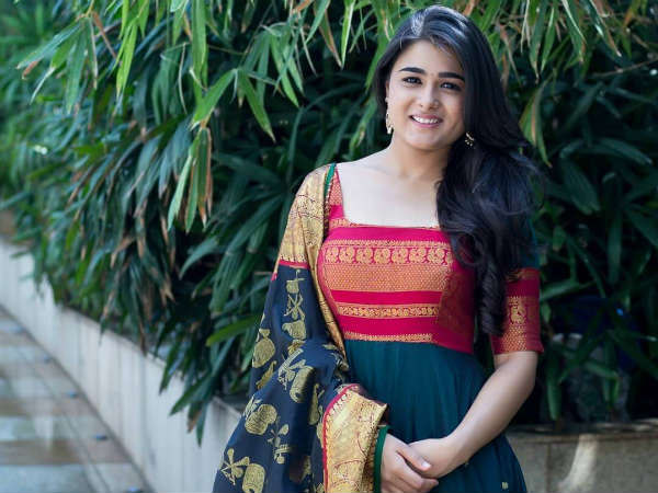 Shalini Pandey gets bollywood offer to romance with Paresh Rawals Son Aditya