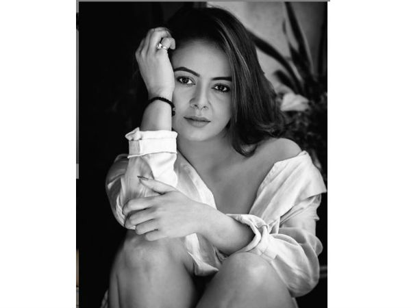 devolina-bhattacharya-hot-cleavage