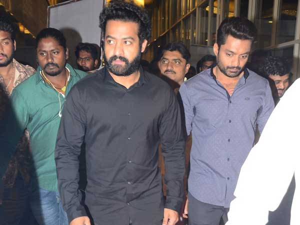 JUNIOR AT THE RESCUE OF KALYAN RAM AT 118 FUNCTION!