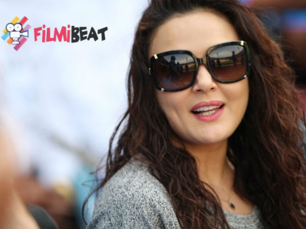 Preity Zinta looks like a seasoned hockey player in this throwback picture