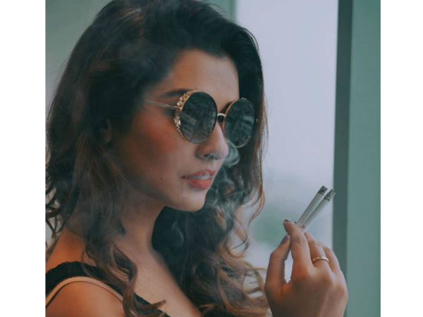 Payal Rajput smoking pic gone be viral