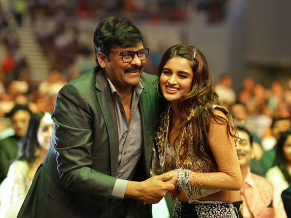 Nidhhi Agerwal with Chiranjeevi Goes viral on social media