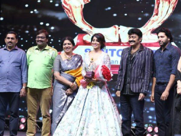 Actress Shriya recalls Sridevis bueaty in Santosham South Indian Film Awards