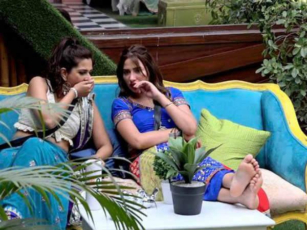 ఆడ, మగ ఒకే బెడ్పై.. అది రియాల్టీ షోనేనా..? బ్యాన్ చేయాలంటూ ధర్నా.. 20 మంది అరెస్ట్