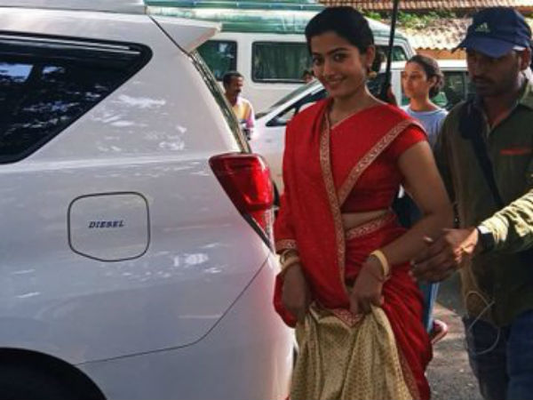 Rashmika Mandanna Half Saree Pics From Sarileru Neekevvaru Shooting Spot