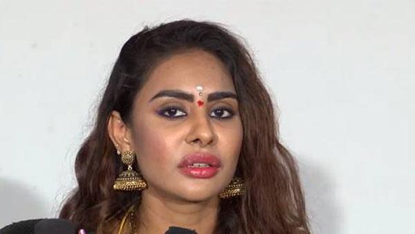 ఎంత మందిది *** అంటూ బూతుపురాణం .. సినీ నటిపై  శ్రీరెడ్డి సంచలన కామెంట్స్