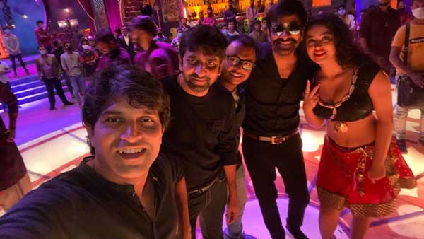A mass item Song loading from Combo of Ravi Teja ApsaraRani