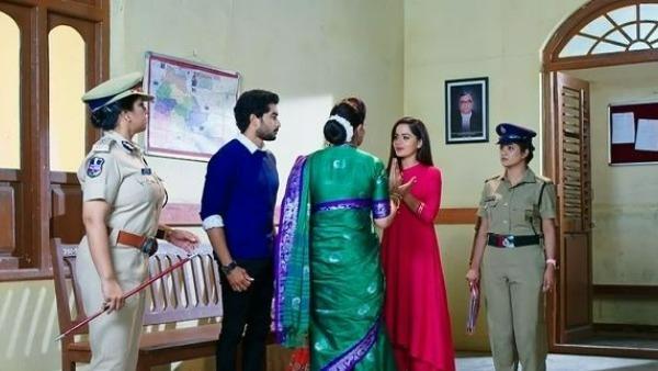 Karthika Deepam Sept 17th episode: మోనిత చెంప పగలకొట్టబోయిన సౌందర్య.. కోర్టులో ఏం జరిగిందంటే!
