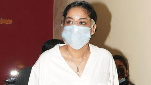 Drugs Case: ఈడీ అదుపులో ముమైత్ ఖాన్.. వెంటాడిన మీడియాకు ముఖం చాటేస్తూ..