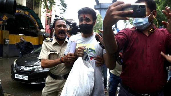 Raj Kundra: విడుదలైనా చిక్కుల్లో.. ఫోన్లో 119 పోర్న్ వీడియోలు,  వాటితో కోట్ల రూపాయల షాకింగ్ డీల్స్!