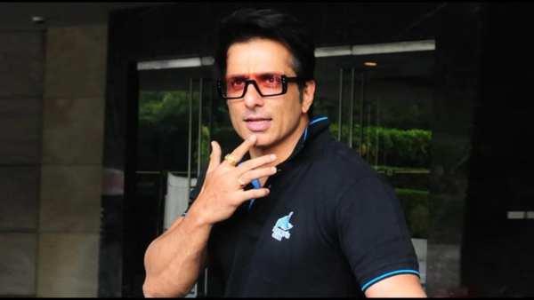 Sonu Sood: వరుసగా మూడోరోజూ సోనూపై ఐటీ రైడ్స్.. అందుకే అంటున్న నెటిజన్లు!