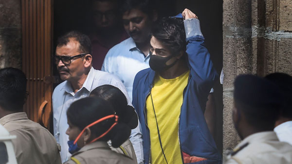 Aryan Khan gets bail: బాంబే హైకోర్టు విధించిన షరతులు ఇవే.. అసలు సినిమా ముందు ఉందంటూ..