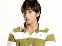 https://telugu.filmibeat.com/img/2009/06/18-siddharth.jpg
