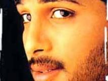https://telugu.filmibeat.com/img/2009/08/12-aarya.jpg