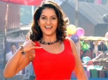 https://telugu.filmibeat.com/img/2009/09/25-ruthika.jpg