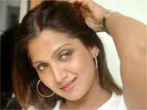 https://telugu.filmibeat.com/img/2009/10/14-bhuvaneswari.jpg