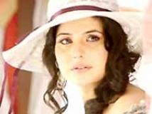 https://telugu.filmibeat.com/img/2010/01/12-zarina.jpg