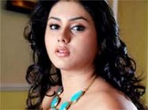 https://telugu.filmibeat.com/img/2011/01/23-namitha.jpg