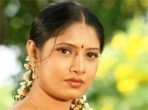 http://telugu.filmibeat.com/img/2012/01/29-sanghavi29-300.jpg
