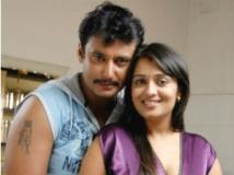 https://telugu.filmibeat.com/img/2012/02/28-darshan-nikita28-300.jpg