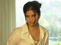 https://telugu.filmibeat.com/img/2012/05/23-sunny-leone23-300.jpg
