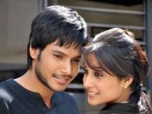 http://telugu.filmibeat.com/img/2012/12/06-routine-love-story17-300.jpg