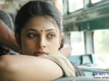 https://telugu.filmibeat.com/img/2013/09/10-sindhu-menon.jpg