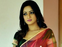 https://telugu.filmibeat.com/img/2013/12/13-udaya-bhanu-602.jpg