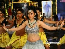 https://telugu.filmibeat.com/img/2014/03/07-nuvve-naa-bangaram-600.jpg