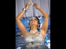 http://telugu.filmibeat.com/img/2014/04/17-asha-saini-01.jpg