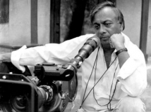 https://telugu.filmibeat.com/img/2014/10/22-ashok-kumar-agarwal-passed-away-600.jpg
