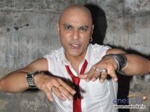 https://telugu.filmibeat.com/img/2015/05/28-1432801404-baba-sehgal-645.jpg