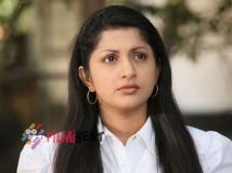 http://telugu.filmibeat.com/img/2015/08/21-1440148317-meera-jasmine-eye-645.jpg